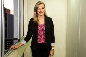 A advogada Fernanda trabalha no departamento tributário de Prolik Advogados.