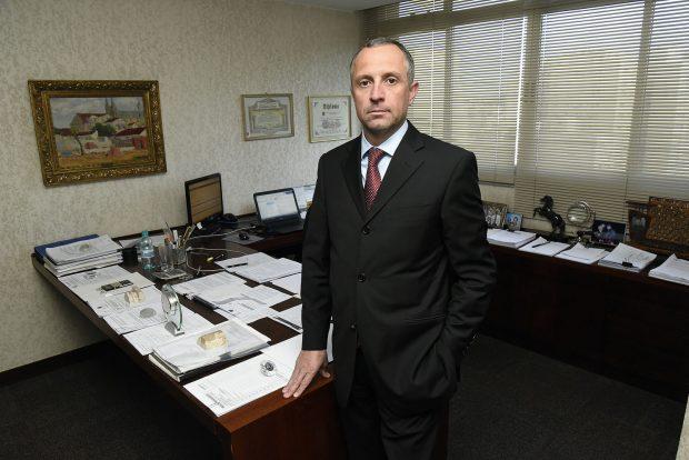 O advogado Paulo Narezi atua no setor Cível de Prolik Advogados.